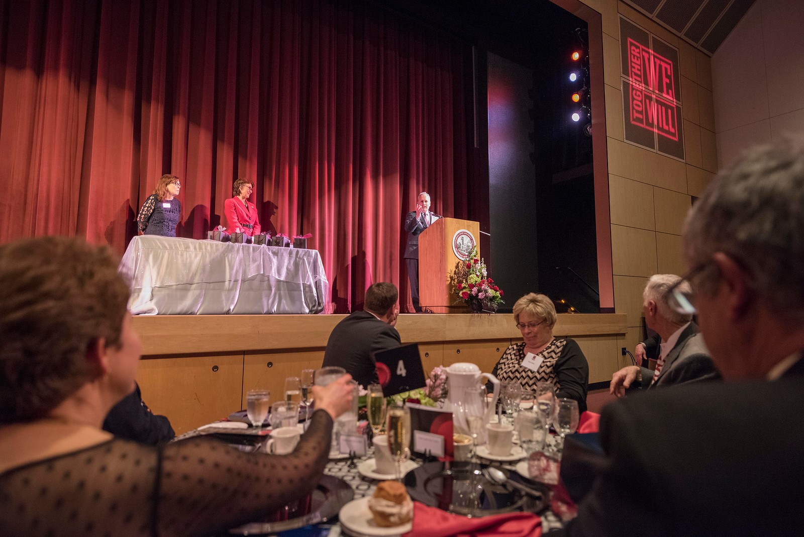 Distinguished Alumni Paul Lambros talks to guests and honorees during the Distinguished Alumni Dinner on Friday, March 24, 2017 in Chico, Calif. (Jason Halley/University Photographer)