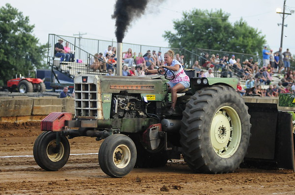 """2017 FREDERICK CO FAIR """" TRUCK & TRACTOR PULL DRAGON MOTORSPORTS"""" 8-3-17"""