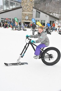 DSC_4638_Olivia Berkman, 10, of Albany, NY, tries out a fat bike