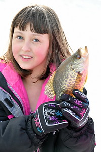 DSC_0242 sasha hutt,9, of charlestown nh, with a crappie