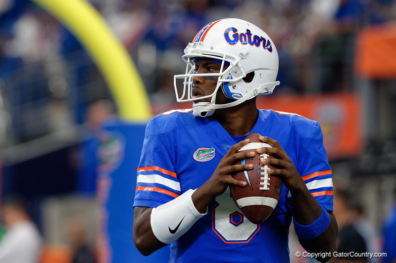 University of Florida Gators quarterback Malik Zaire throwing during pre-gamef of the 2017 Advocare Classic at AT&T Stadium in Dallas, Texas as the Florida Gators take on the Michigan Wolverines. September 2nd, 2017.  Gator Country photo by David Bowie.