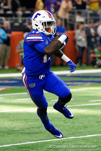 University of Florida Gators athlete Kadarius Toney on a kick return during the second half of the 2017 Advocare Classic at AT&T Stadium in Dallas, Texas as the Florida Gators take on the Michigan Wolverines. September 2nd, 2017.  Gator Country photo by David Bowie.