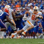 Tennessee Volunteers tght end Austin Pope cuts up field during the second half as the Florida Gators defeat tne Tennessee Volunteers 26-20 at Ben Hill Griffin Stadium in Gainesville, Florida. September 16th, 2017.  Gator Country photo by David Bowie.