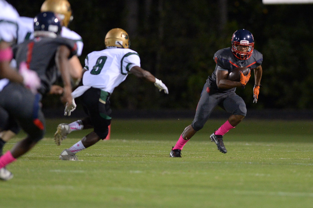 Southern Nash Kendrick Bell (6) during tonight's game.Southern Nash defeats Northern Nash 49-0 Friday evening October13, 2017 (Photos by Anthony Barham / WRAL contributor.)