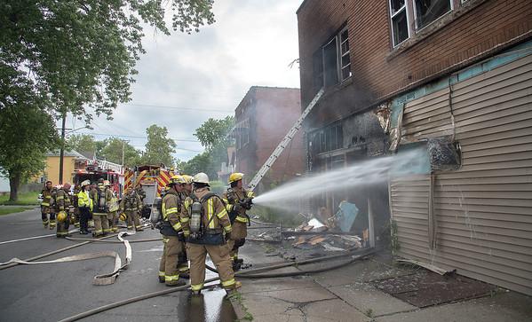 170710 18th St Fire 1