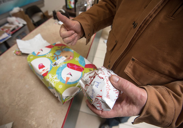 171221 Gift Wrap 2