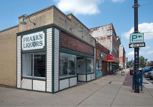 170830 Frank's Liquors