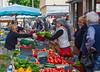 Vaison Tuesday Market 2533 v2