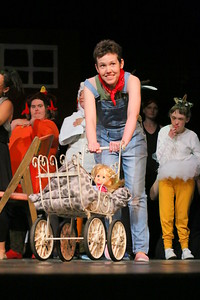 IMG_6067 Annie O'Neill as Fern, with baby Wilbur in a baby carriage