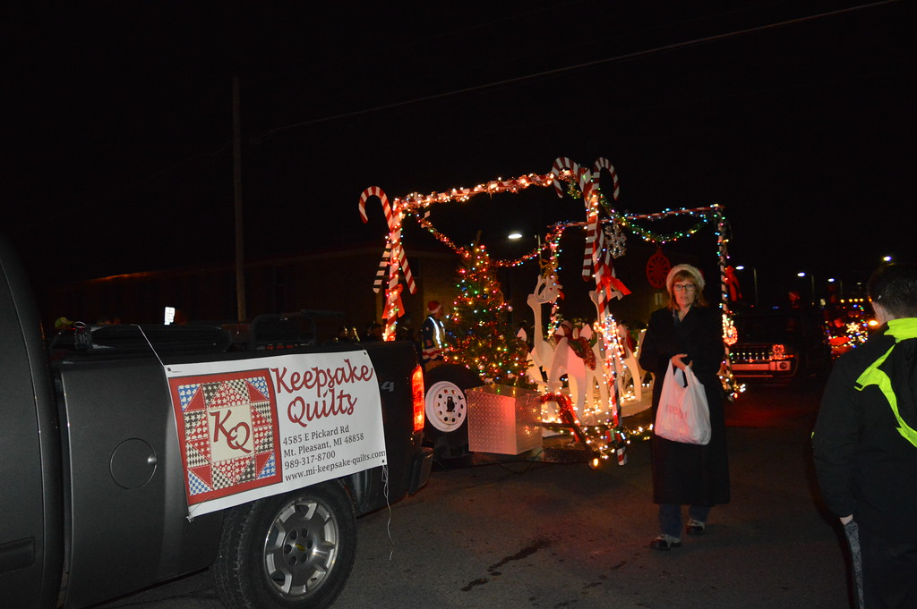 linda kerkau morning sun the 2017 lighted parade during the mt pleasant christmas - Mount Pleasant Christmas Parade
