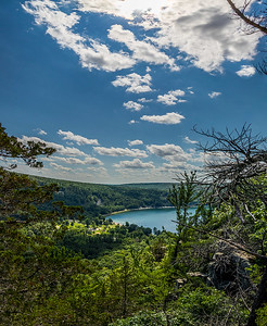 DA022,DT,high_noon_over_devils_lake_baraboo_wisconsin