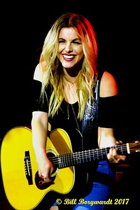 Lindsay Ell - Cook County 099