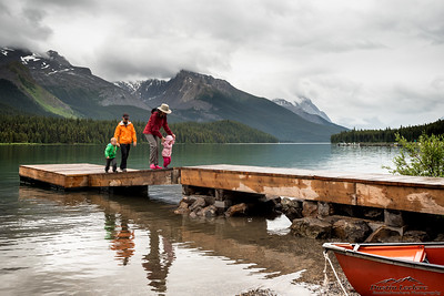 Arrival at Maligne Lake after a quick visit at the Emerg. to check on the status of my eye after Rae gauged it....