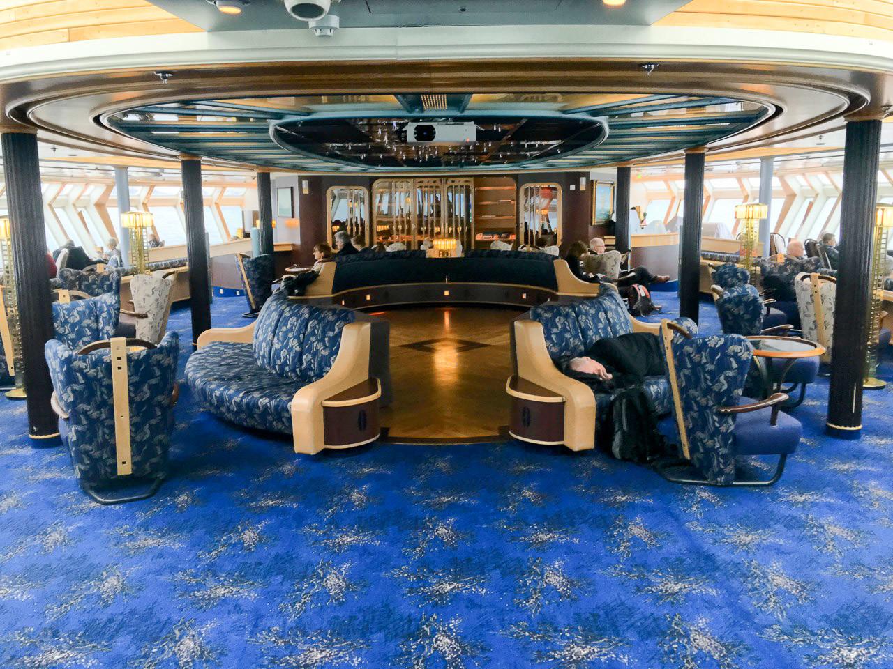 Deck 8 - Observation Lounge