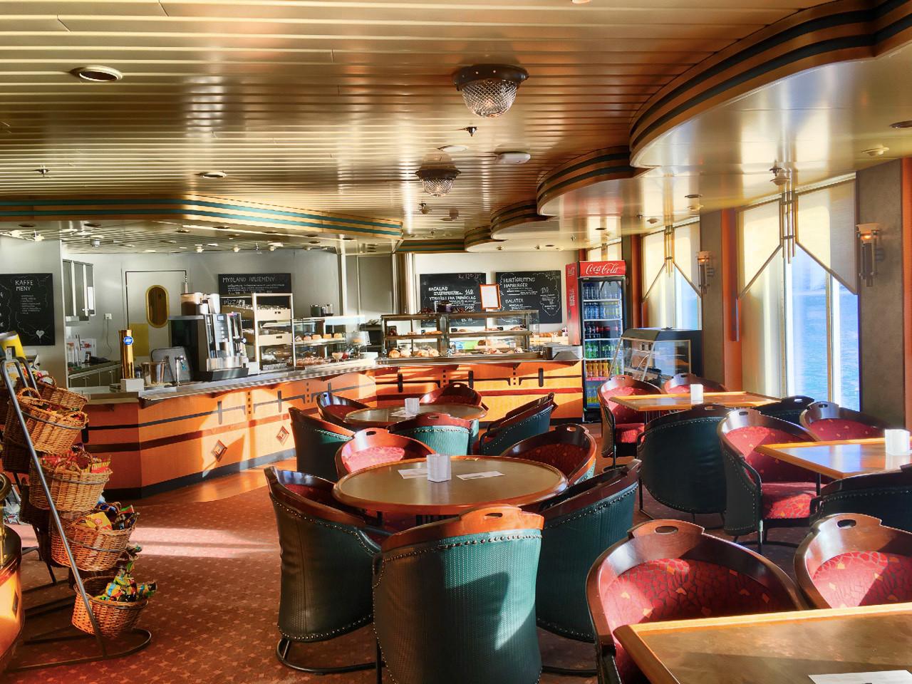 MS Finnmarken - Cafe