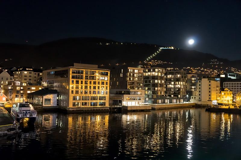 Bergen - MS Finnmarken Leaving Bergen