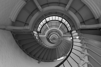 DA040,DB,Spiraled_staircase_200_steps_to_Ponce_Inlet_Lighthouse-4007