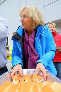 IMG_6953 anne koop getting hot dogs ready