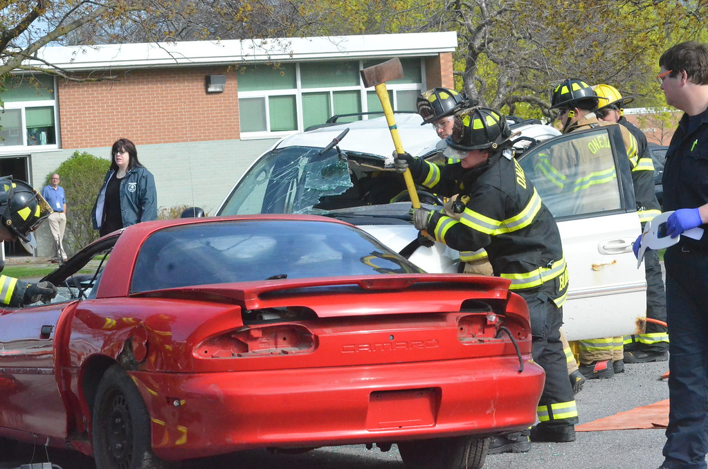. John Brewer - Oneida Daily Dispatch Oneida High School students, along with the Oneida Police Department, Oneida Fire Department, Vineall Ambulance, Madison County District Attorney, and Campbell-Dean Funeral Home, take part in a mock DWI accident at the Oneida High School on Thursday, April 27, 2017.