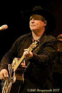 John Michael Montgomery at Festival Place 098