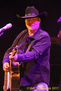 John Michael Montgomery at Festival Place 041