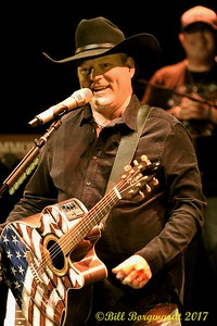 John Michael Montgomery at Festival Place 030