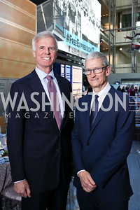 Fred Ryan, Honoree Tim Cook. Photo by Tony Powell. 2017 Free Expression Awards. Newseum. April 18, 2017