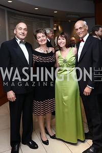 Thomas Krahenbuhl and Dorothy Kosinski, Meryl and Michael Chertoff. Photo by Tony Powell. 2017 Phillips Collection Gala. May 19, 2017