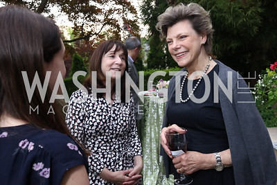 Kate Hamilton, Jane Mayer, Cokie Roberts. Photo by Tony Powell. WHCD Women in Journalism. Dittus Residence. April 27, 2017