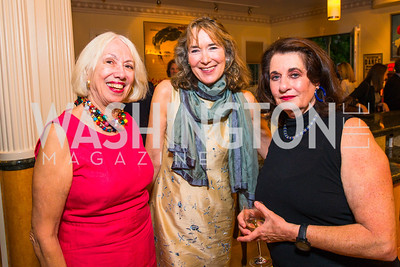 Ann Crittenden, Leslie Cockburn , Elaine Shannon. Photo by Alfredo Flores. Book Party for Sidney Blumenthal 2017. Home of John and Christina Ritch. May 18, 2017