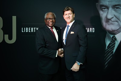 James Clyburn and friend. LBJ Foundation awarded its most prestigious prize, the LBJ Liberty & Justice for All Award, to philanthropist David M. Rubenstein on November 8, 2017.  Photography by Joy Asico