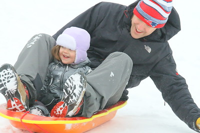 IMG_8062 penelope O'Connell,2, and her dad kevin,,of littleton MA,,up vistiting his parents who live in brownsville