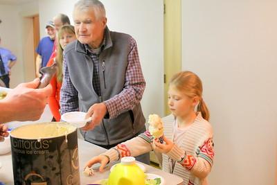 IMG_4150 john leavitt and harmony johnson,8, get ice cream