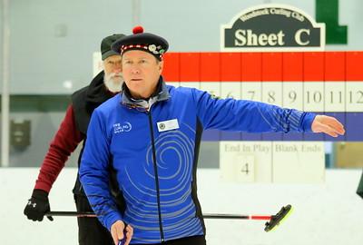 IMG_3472 bob holt directs where his teammate should aim