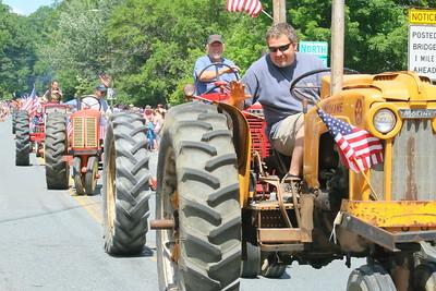 IMG_3680 jason Tarr on a Moline tractor