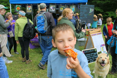 IMG_7003 joseph kingman samples pizza from Wuhs-Wums Farm to School program