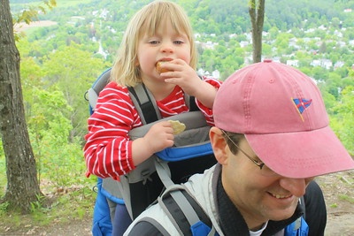 IMG_6826 walker ewing,2, and her dad jamie,,from boston,,at south peak