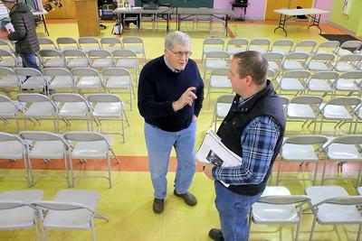IMG_2010 John Fike and Tim Bishop chat before meeting