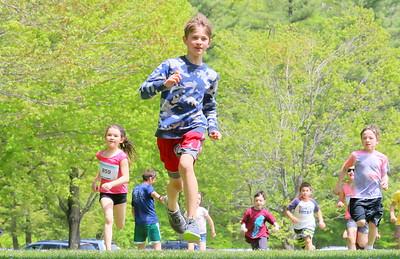 IMG_3971 KIDS fun race around field by by beach,,,