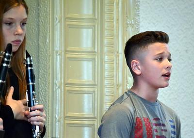 DSC_0025 joey Beggs,,13,,sings the National Anthem
