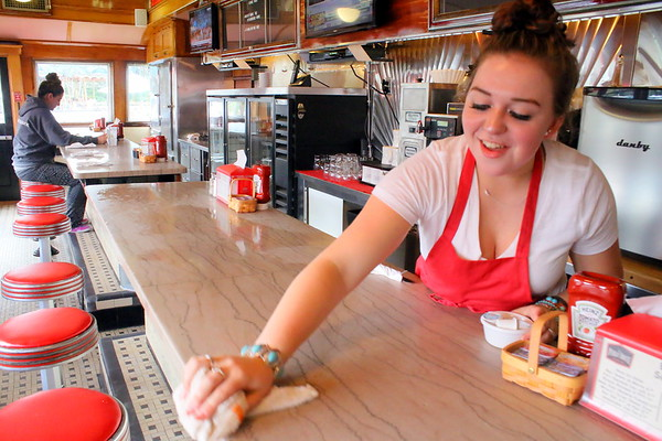 Public House Diner Opens