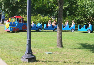 IMG_4754 the Roaming Railroad turns around at a nearby park