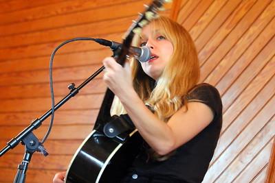 IMG_3777 Danielle Miraglia sings Make Your Own News