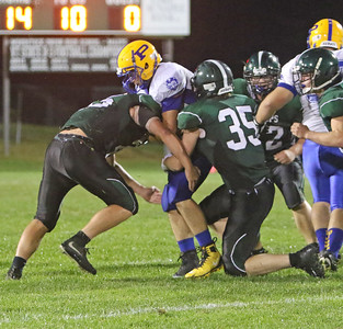 4004 - Caden White and Brendan Schwartz combine to make the tackle