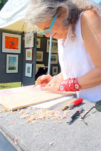 IMG_5024 Jeanne Amato, of woodstock,,,showing the process of how she makes wood block prints