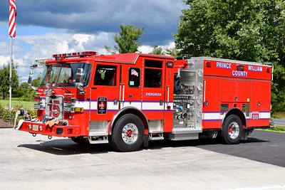 Photographed shortly after entering service, Engine 515 is this sharp 2016 Pierce Arrow XT, 1500/750/40/40, sn- 30389-03.  One of five engines delivered, others went to Engines 504 (Gainesville), 524 (Antioch), 526 (Davis Ford), and 593 (Training Academy).