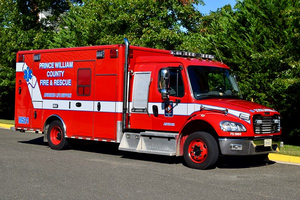 Medic 524 is a 2015 Freightliner M2/Wheeled Coach.  One of four units delivered, others went to Medics 508 (Yorkshire), 525 (Bristow), and 526 (Davis Ford).