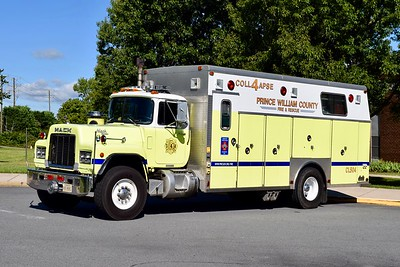 Collapse 504 is a beast.  This 1989 Mack R688FC/1990 Saulsbury carries serial number 1036.  Cross-staffed by crews on Rescue 504, this unit will respond County-wide.  ex- Gainesville District VFD, and ex- Rescue 4.