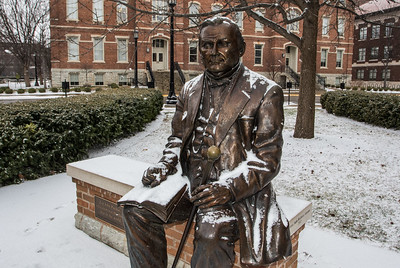 Snow falls on the campus of Purdue Universtiy