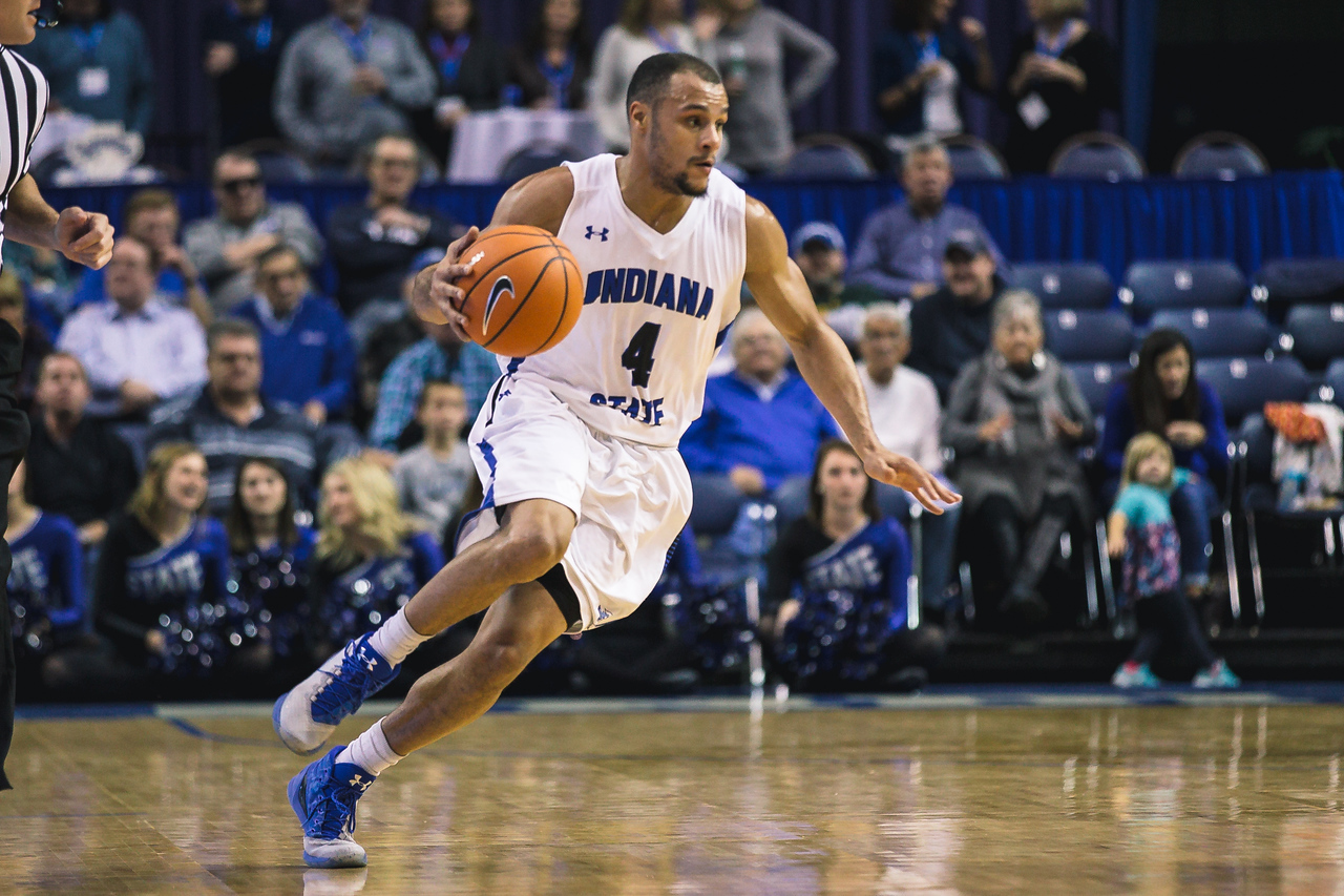 Indiana State takes Elon on Friday, December 22, 2017 at the Hulman Center in Terre Haute, Indiana.